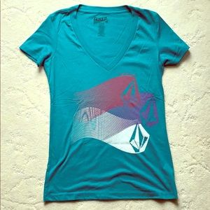 Volcom Juniors vNeck Print Shirt, NWOT
